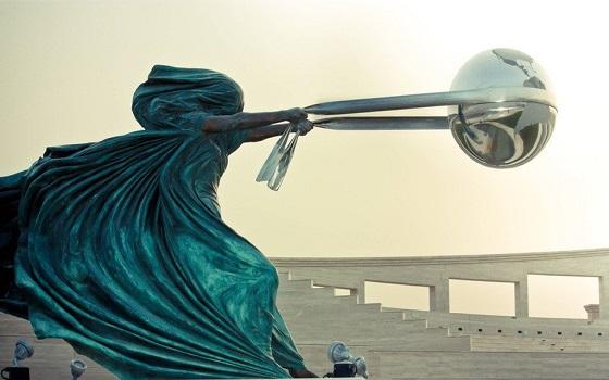 Tác phẩm điêu khắc Lorenzo Quinn