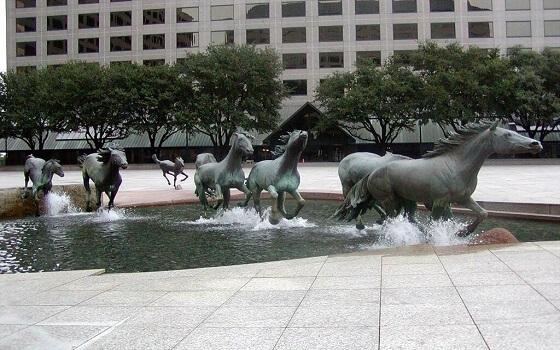 Tác phẩm điêu khắc Mustang
